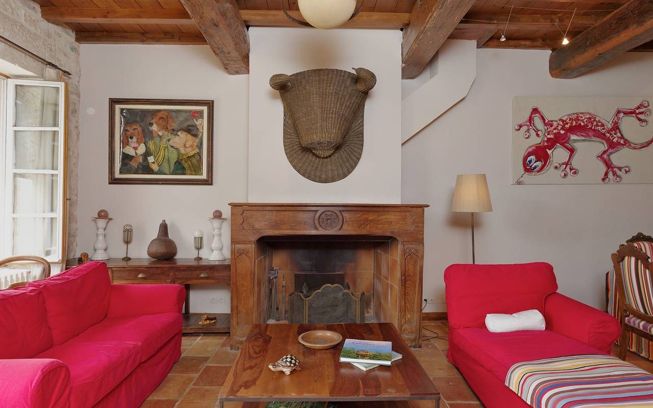 traditional white and red provencal room bull